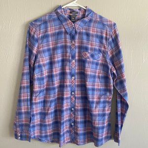Eddie Bauer Classic Fit Button Up Collared Shirt